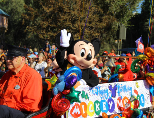 Disneyland Cavalcade Kicks Mickey Mouse 90th Celebration into 2019