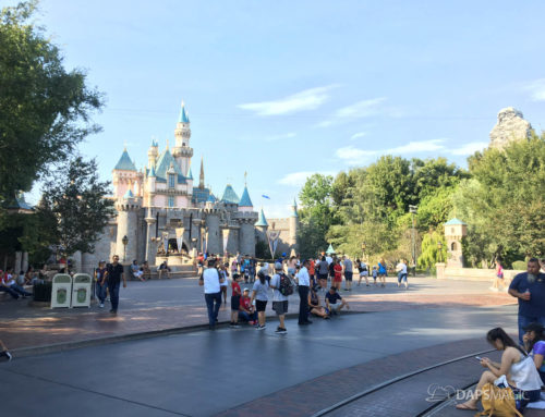 Photo Report: Extreme Heat Chases Away Crowds at Disneyland