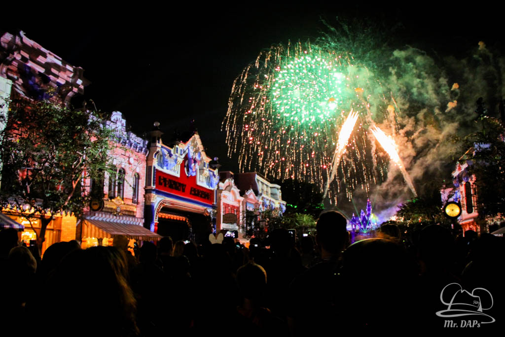 Paint the Night and Disneyland Forever Light Up the Night at Disneyland