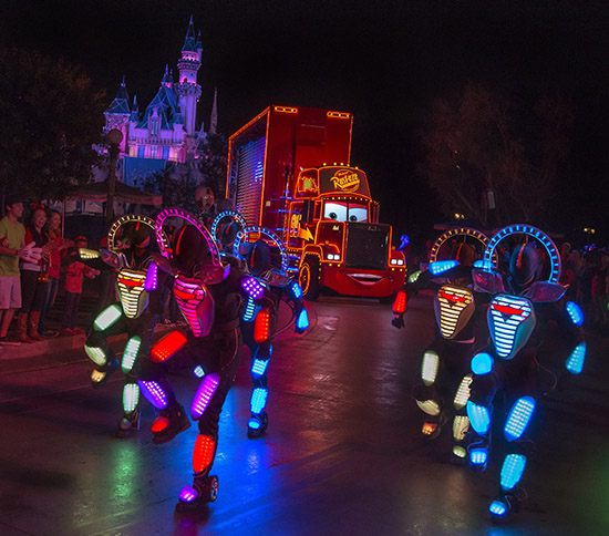 Disneyland Resort's 'Paint the Night' to Offer Visual & Audio Assistance for Guests