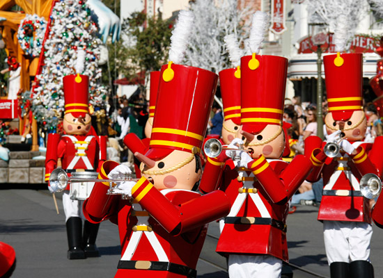 Festive Entertainment Lineup Announced for Holidays at the Disneyland Resort
