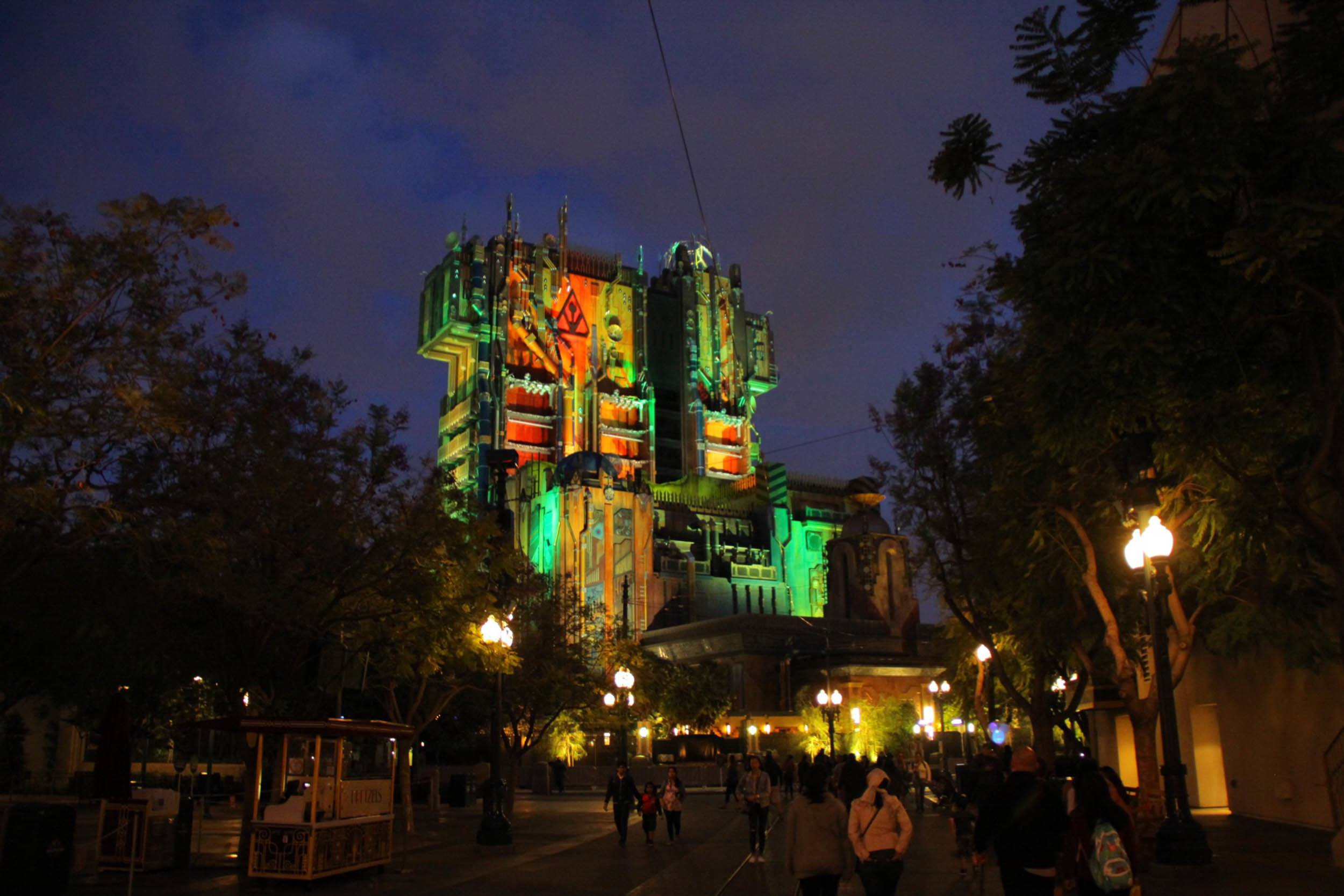 Guardians of the Galaxy – Mission: BREAKOUT! Comes Alive at Night!