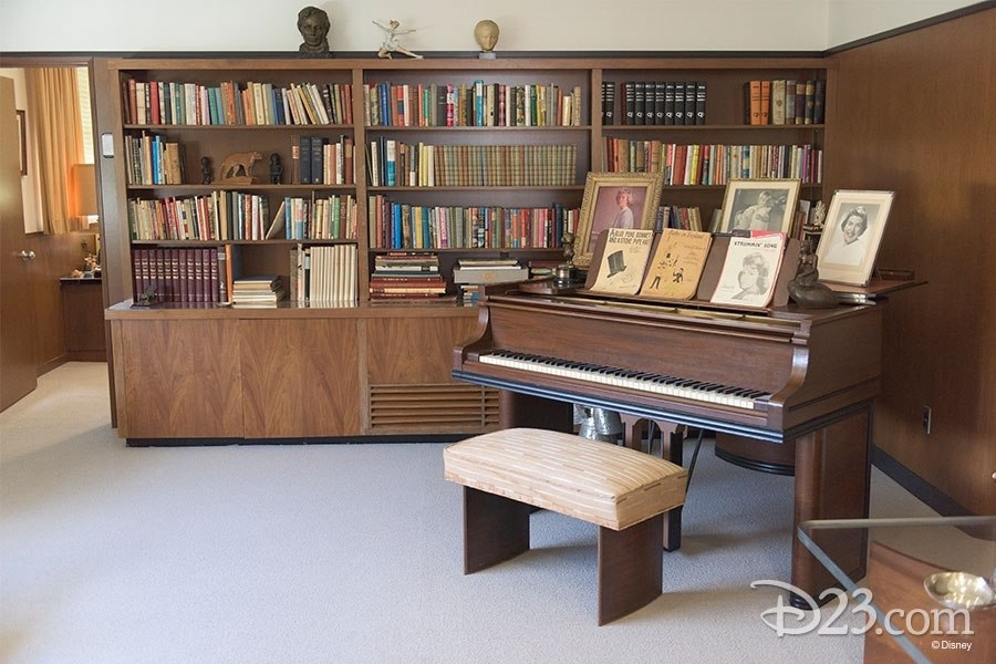 Walt Disney's Office - Mr. DAPs Goes on a Virtual Tour at the D23 Expo