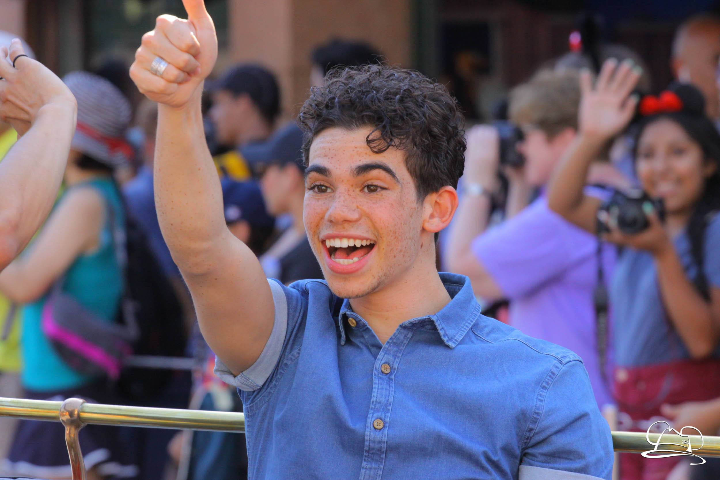 Cameron Boyce Star Of Disney S Descendants And Jessie Passes Away At Age 20