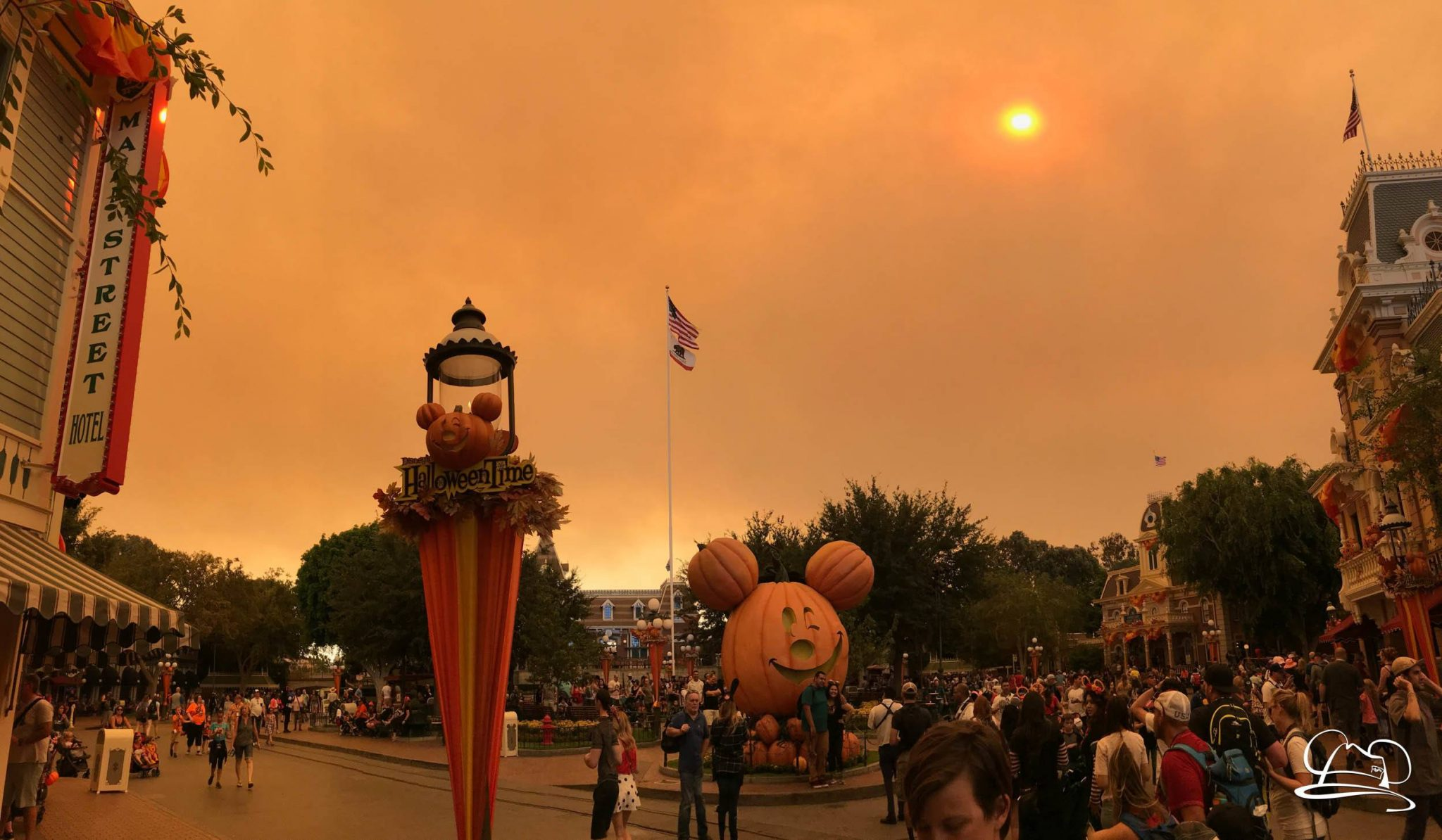 Local Wildfires Cloud Disneyland – Safety Tips for a Smokey Day at Disneyland