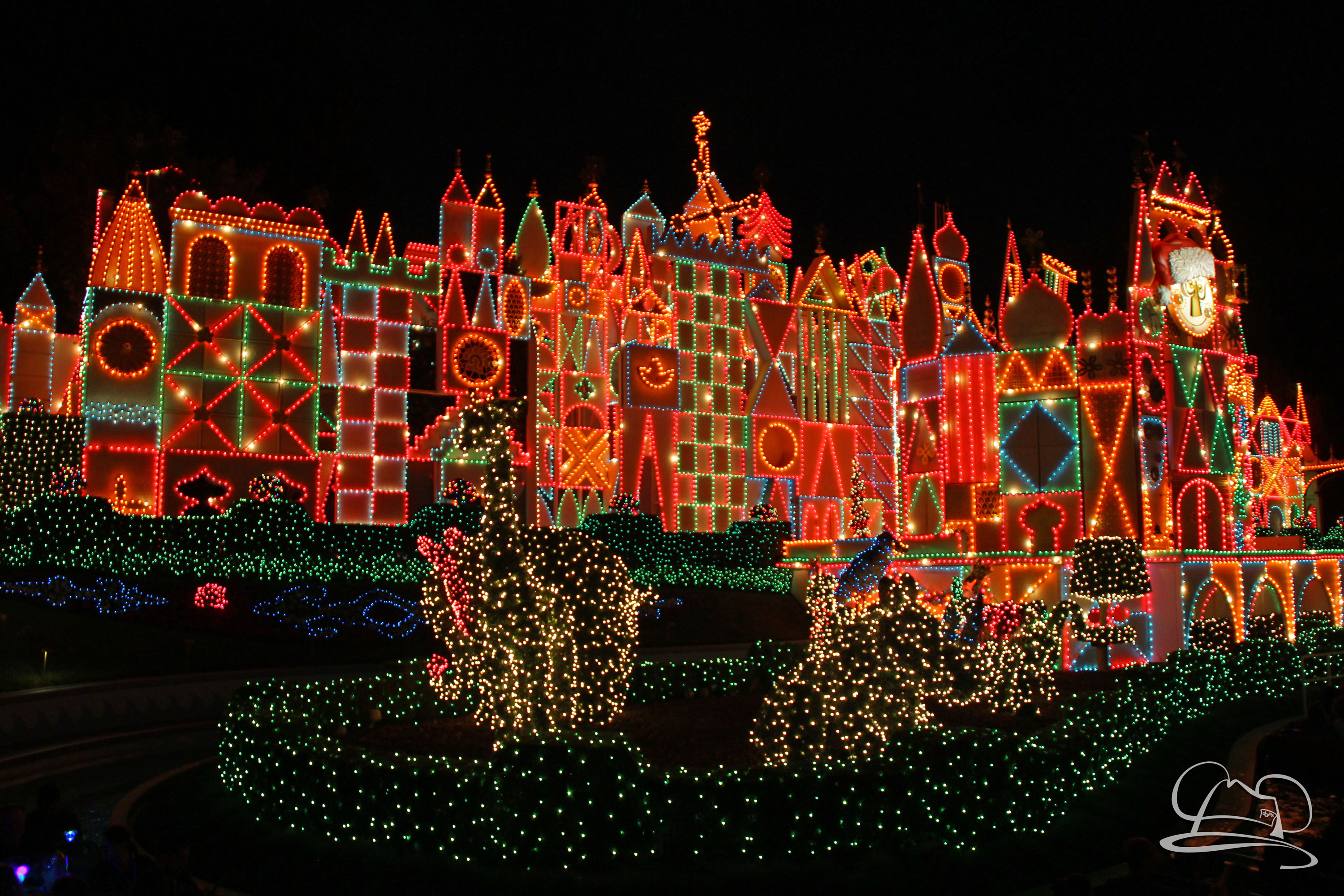 it's a small world Holiday - Disneyland