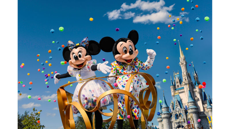 Mickey and Minnie Mouse Get New Outfits For 90th Celebration!