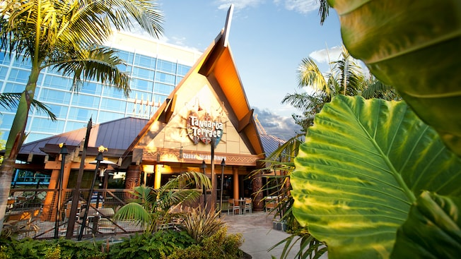 Tangaroa Terrace Tropical Bar and Grill Reopens to Guests at the Disneyland Hotel