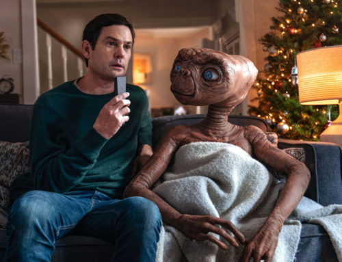 E.T. the Extra-Terrestrial and Real-life Elliott Reunite During Macy's Thanksgiving Day Parade