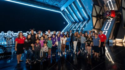 VIDEO: Volunteer Family of the Year Experiences Star Wars: Rise of the Resistance