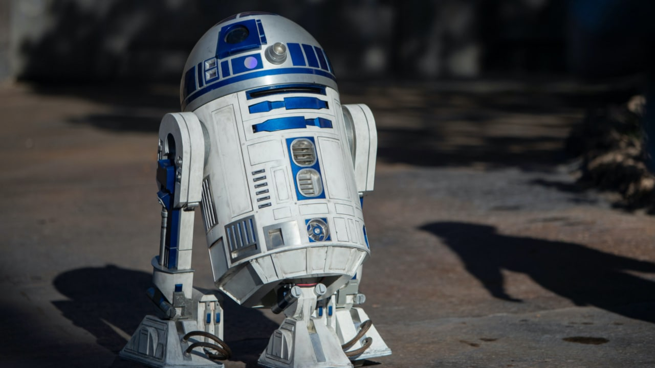 R2-D2 - Star Wars: Galaxy's Edge