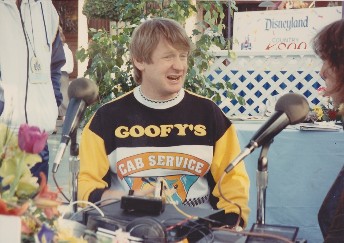 A young Bill Farmer giving a live radio interview as Goofy