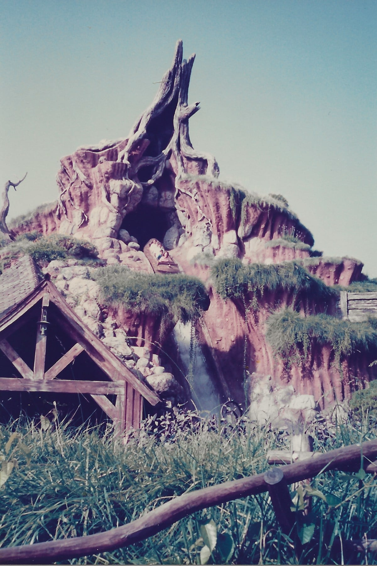 Splash Mountain as it appeared shortly after its opening