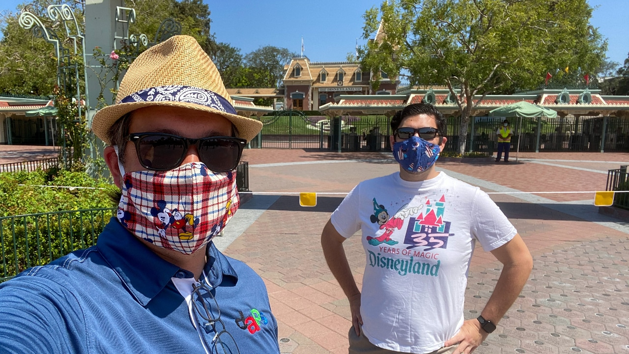 Disneyland Resort Updates Face Covering Policy to Exclude Valves, Mesh Material, or Holes