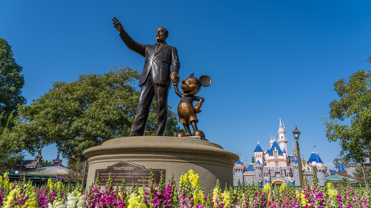A Proposed California State Assembly Bill Could Speed Up Reopening of Disneyland Resort