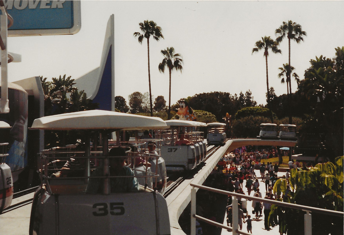 People Mover passengers in Tomorrowland found themselves staring down a King Kong sized Goofy looming over the end of the tracks.
