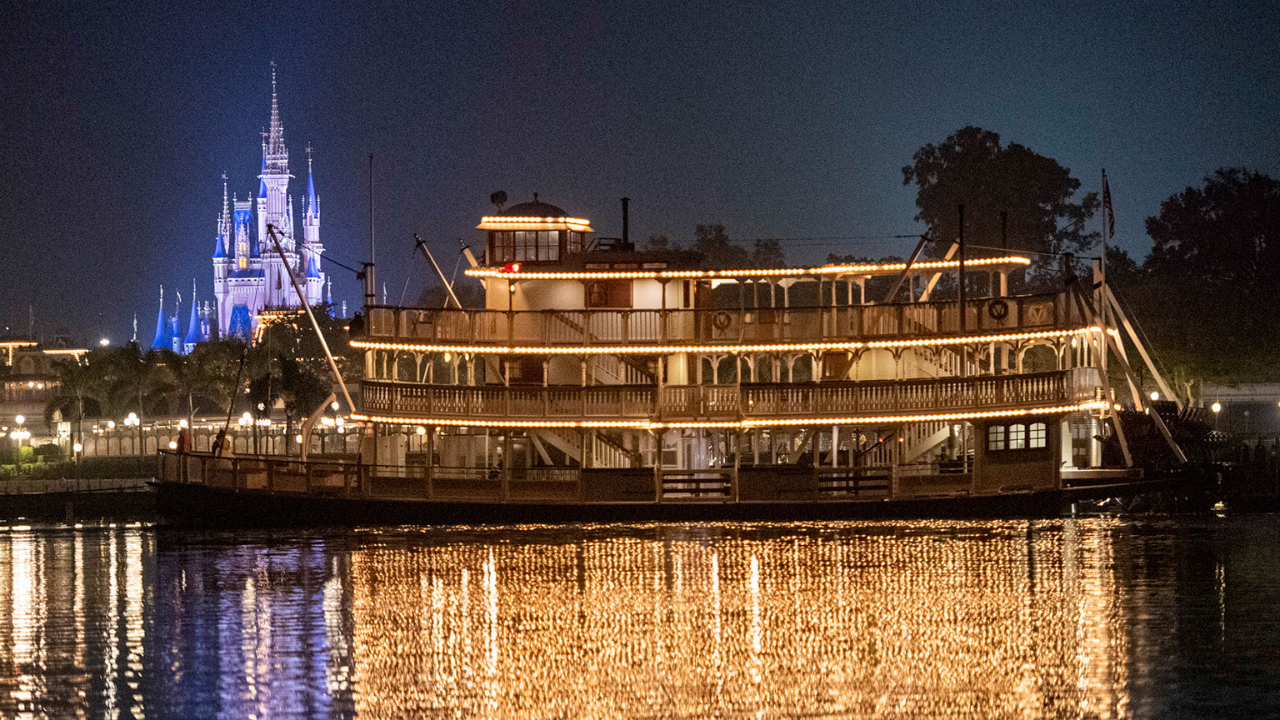 The Liberty Belle Takes Repositioning Cruise Through Seven Seas Lagoon to Return to Rivers of America