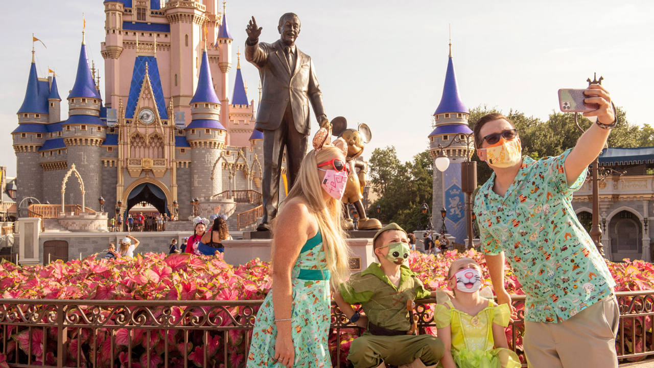 Walt Disney World Updates Face Covering Guidelines For While Dining
