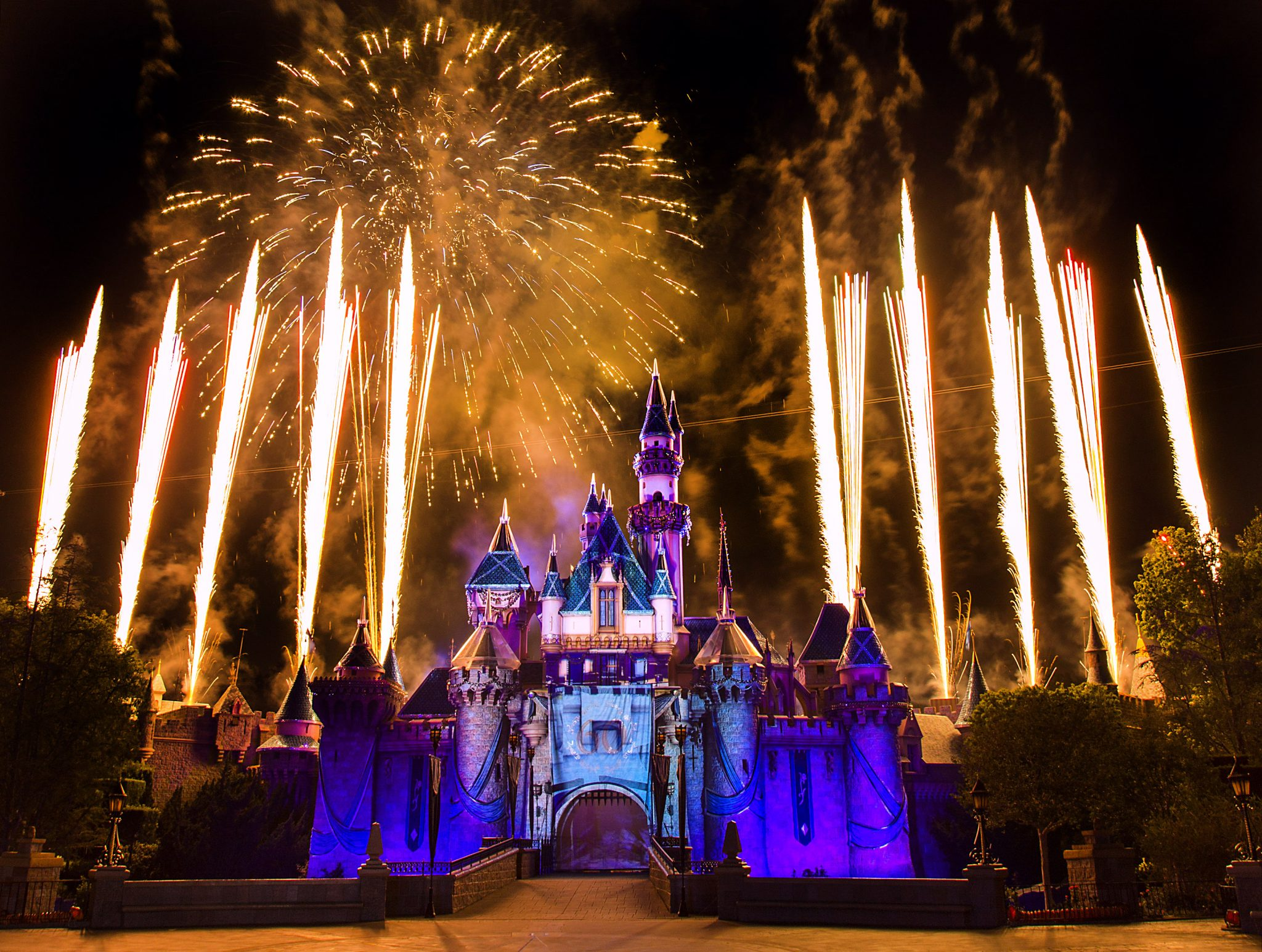 Your Guide to a Successful New Year's Eve at the Disneyland Resort!